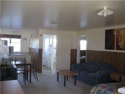 Unit 6 - Lounge