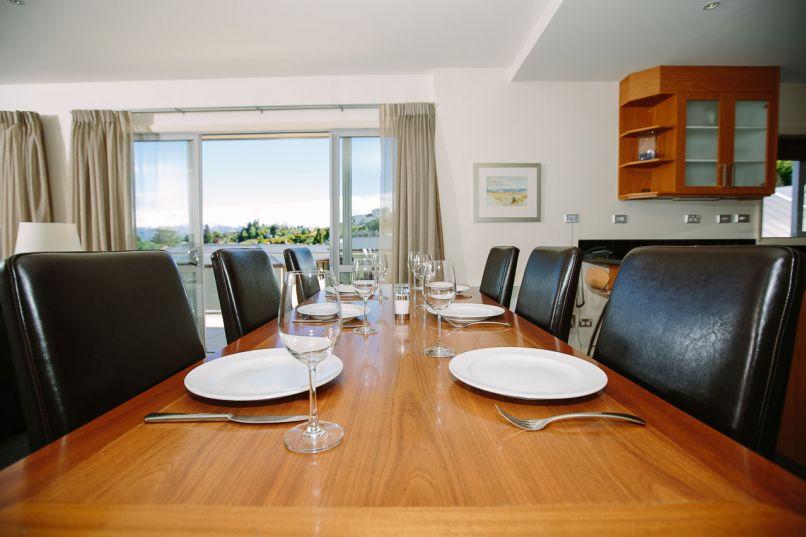 Premier Apartment Dining