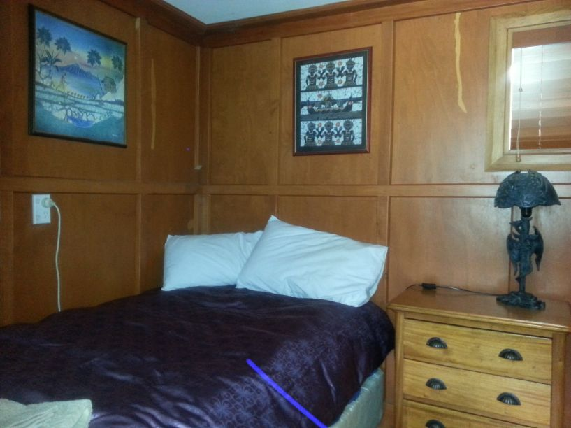 King single bedroom
