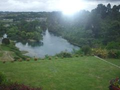 RIVERVIEW Bed and Breakfast Taupo New Zealand (BEDANDBREAKFAST)