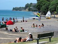 Beach Hideaway Unit, 5 houses walk to the BEACH-Auckland